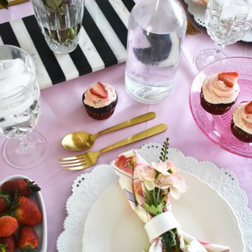 A SWEET TABLESCAPE